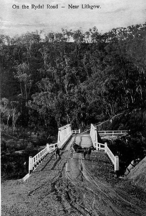 On the Royal Road, near Lithgow, NSW, Australia v@e