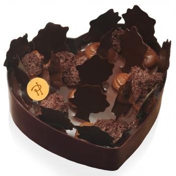 Pierre Hermé - Biscuit moelleux au chocolat et éclats d'amandes, mousse au chocolat