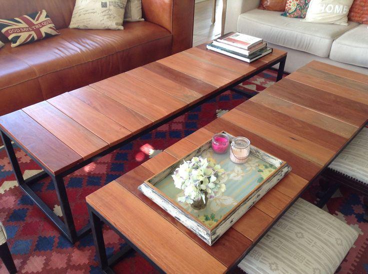 #Mesas en guatambú con base de hierro color negro.  Largo: 1,85cm Alto: 0,45cm Prof: 0,55cm