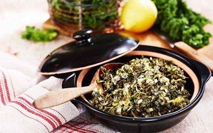 GRÖNKÅL Grönkål är ett fantastiskt gott tillbehör och samtidigt späckad med nyttiga vitaminer. Den här citronsmakande grönkålen är så god att du kan äta den hela vintern lång.