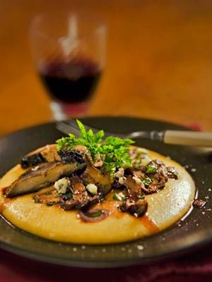 Creamy Polenta with Mushrooms... never had polenta but am willing to try :)