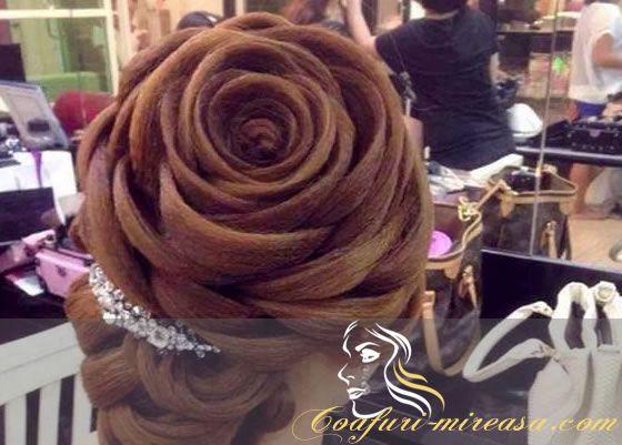 Coafura mireasa - Coc trandafir