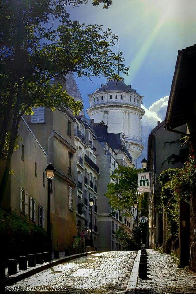 Paris, Montmartre rue Cortot