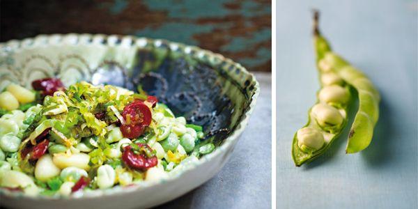 Gnocchi met romige tuinbonen. Ze zijn er weer volop: tuinbonen, dus maken we vandaag dit recept voor gnocchi met romige tuinbonen!