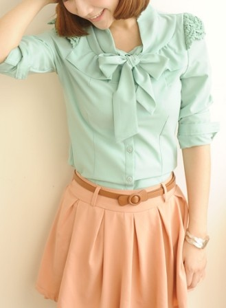 colours: Bow Shirts, Outfit Ideas, Sleeve Ruffles, Ruffles Bow, Green High, Long Sleeve, Color Combination