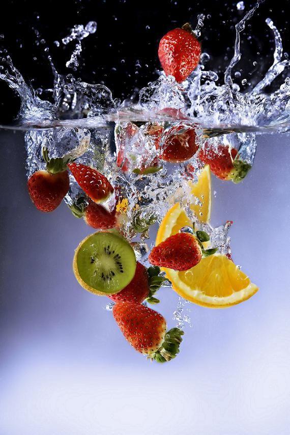 картинки фрукты в воде вертикальные тренчкот-дождевик, подпоясанный талии