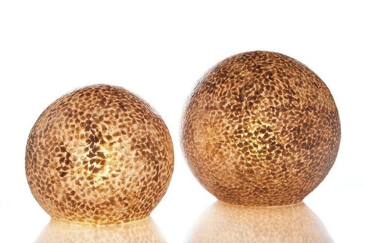 Tafellamp Wangi Goud staande bol (aan)