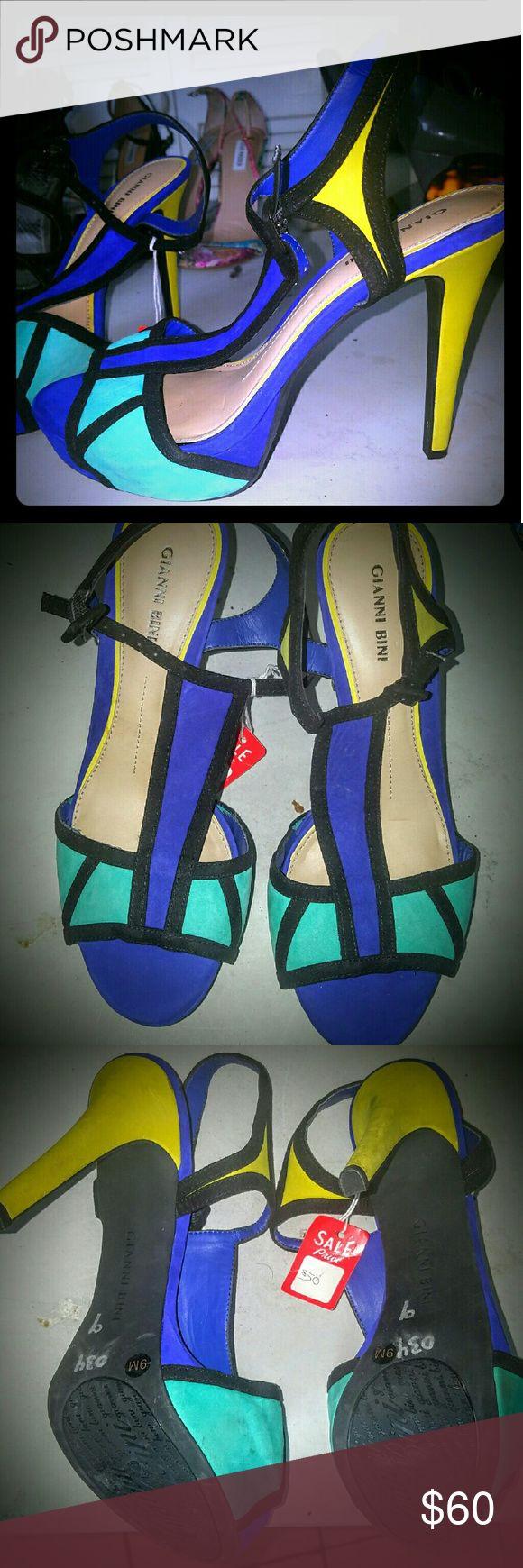 24hr Sale🛍 Beautiful Ganni Bini Color Block Heels Tri colored, Blue, Teal and Yellowish Lime shoes. Gianni Bini Shoes Heels