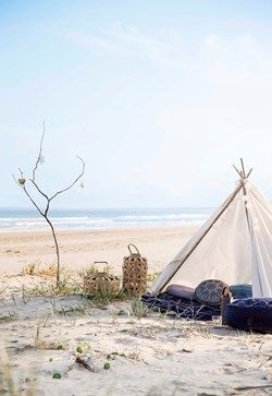 DIY Beach teepee for Christmas - click to download our easy instructions!