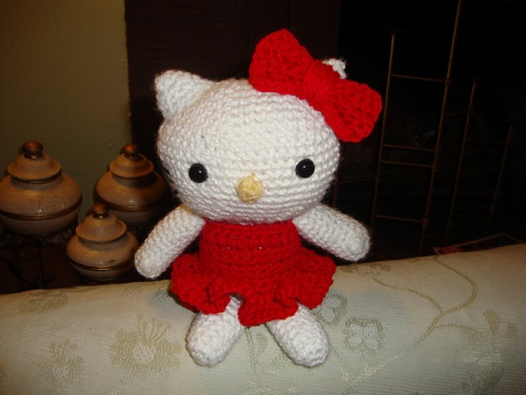 Hello Kitty Toy Knitting Pattern Free : 17 Best images about AMIGURUMI HELLO KITTY on Pinterest Cat hair, Bumble be...