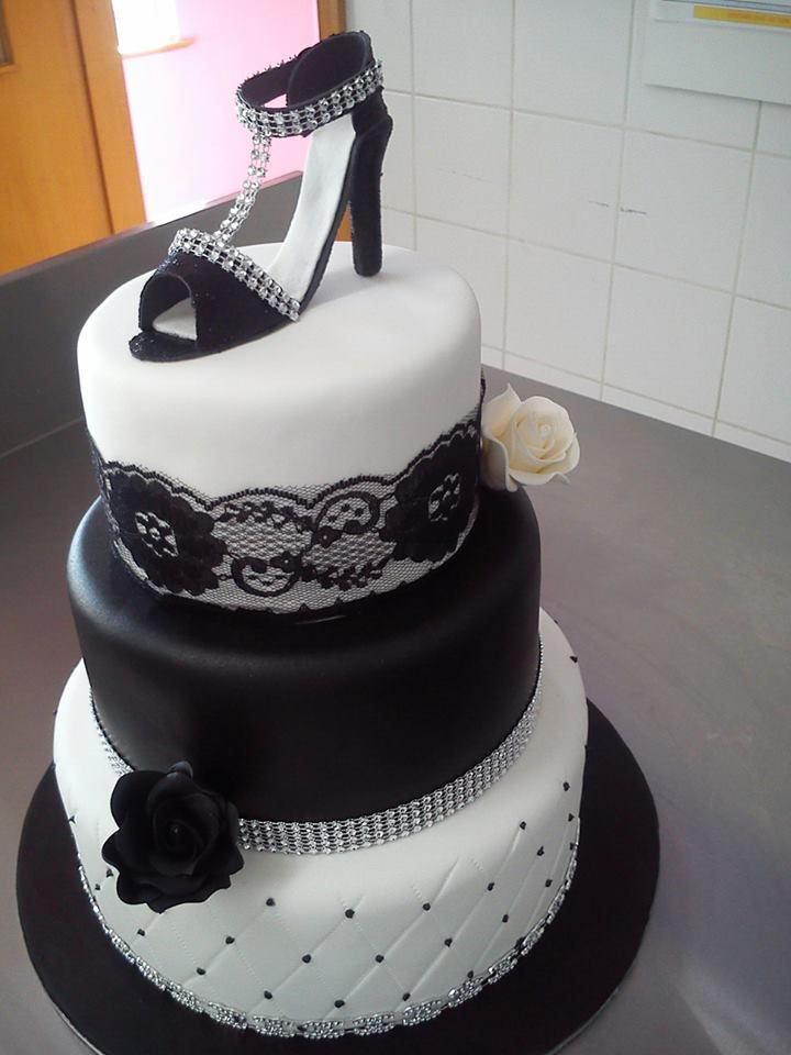 T bo touch and thuli wedding cakes
