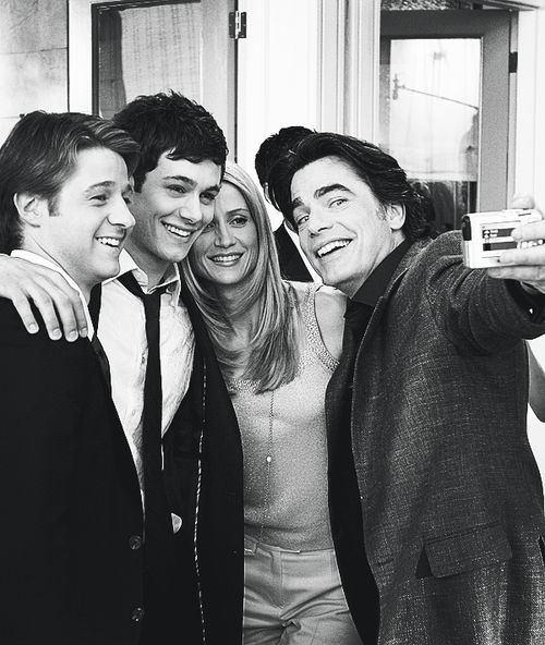 Ben McKenzie (Ryan Atwood), Adam Brody (Seth Cohen), Kelly Rowan (Kirsten Cohen) and Peter Gallagher (Sandy Cohen) on the set of The OC.