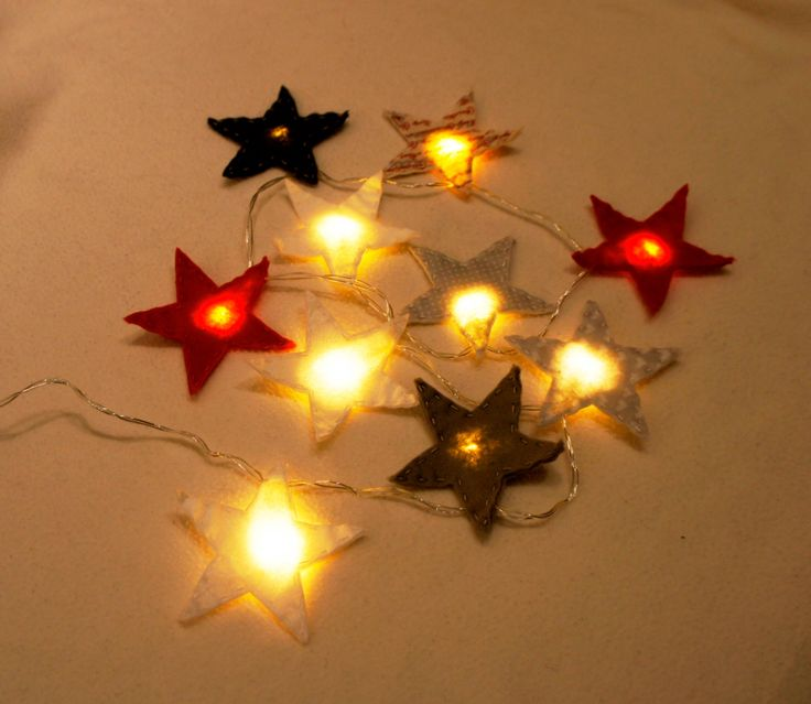 Star Felt String Lights, Star night light felt, nursery light, Christmas light, twinkle lights, Christmas decor, twinkle light garland by PrettyFeltThings on Etsy #nightlight #nurserylight #lightbulb #heart #lightstring #chritmaslight