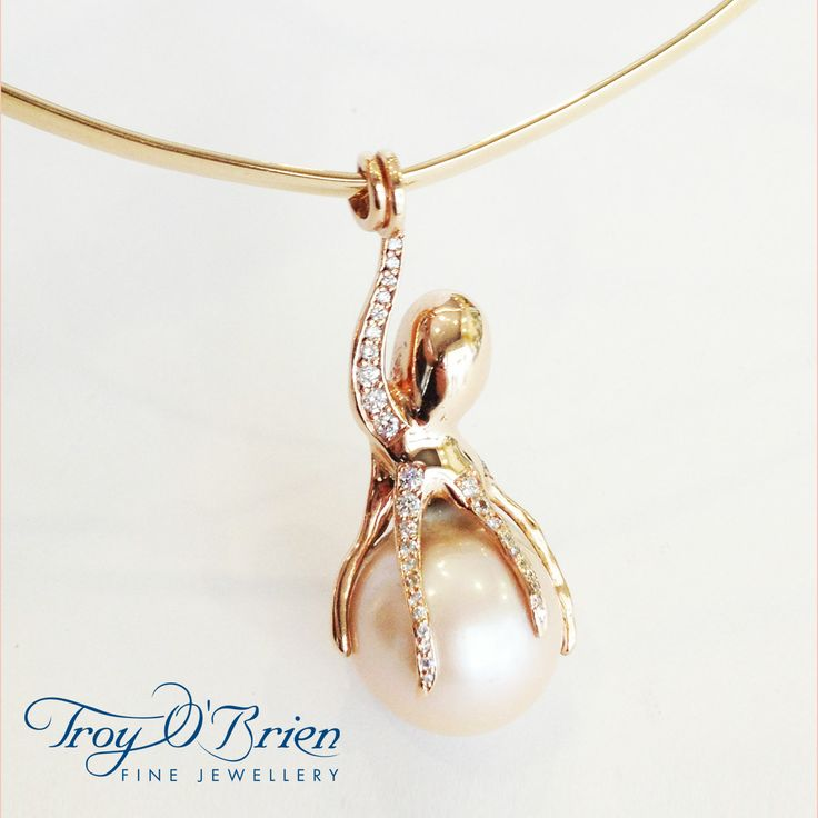Gorgeous custom design for a favourite customer. Her own breathtaking South Sea Pearl, rose gold and diamonds. I know you won't give it to me but can we at least share it?