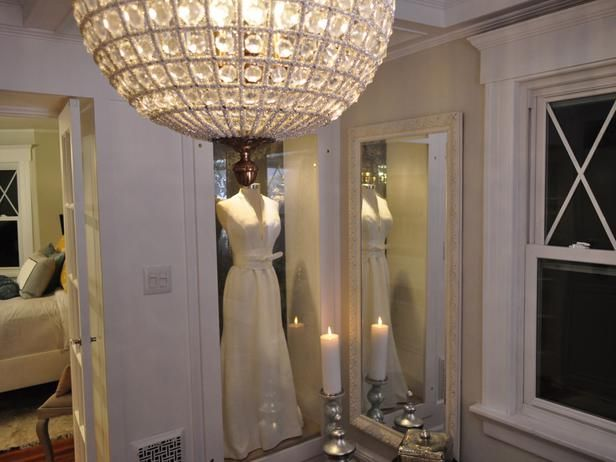 Best 25+ Wedding dress display ideas on Pinterest | Wedding dress ...