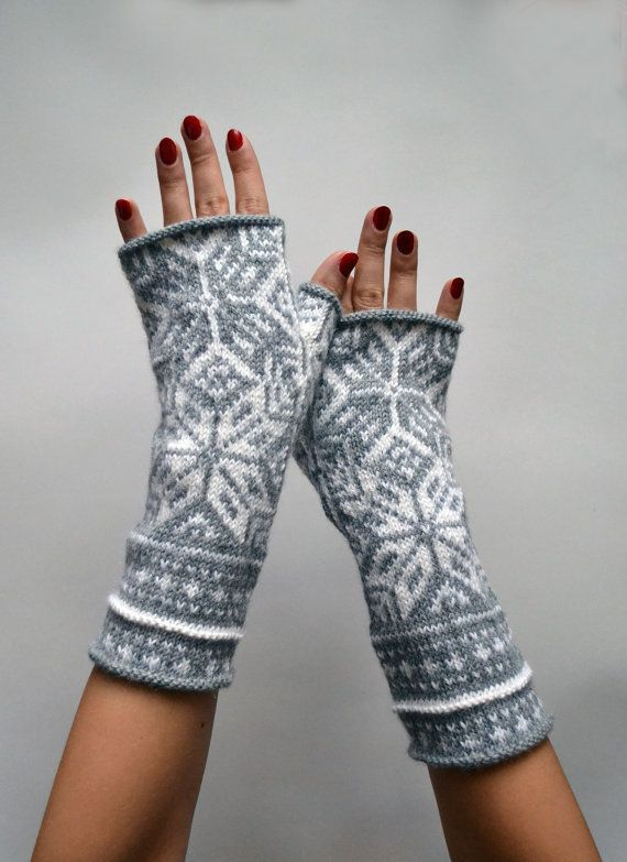 Mitaines gris nordiques laine Fingerless Gloves par lyralyra