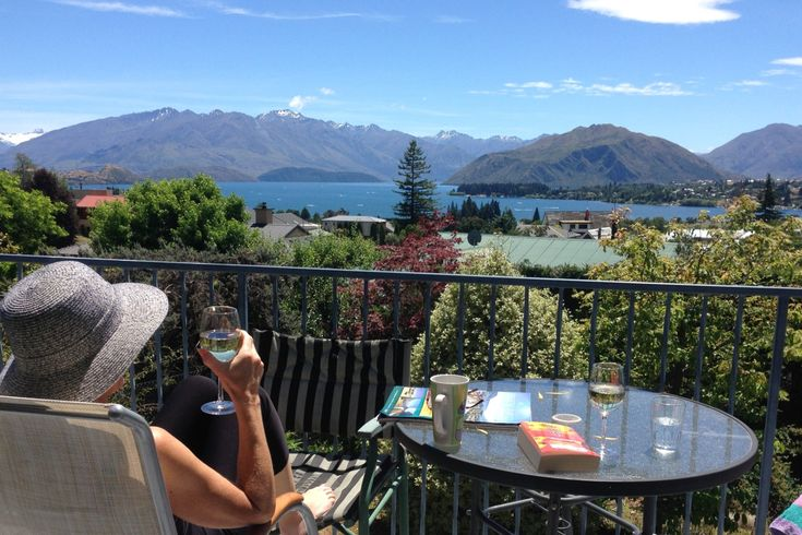 *****  Comfort by Design  ****** in Wanaka, Queenstown-Lakes | Bookabach