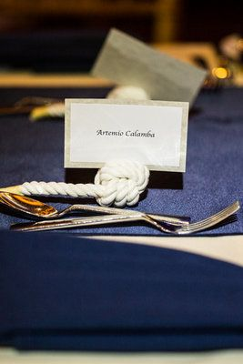 Nautical knot place card holders (Photo by Nerinna Studios)