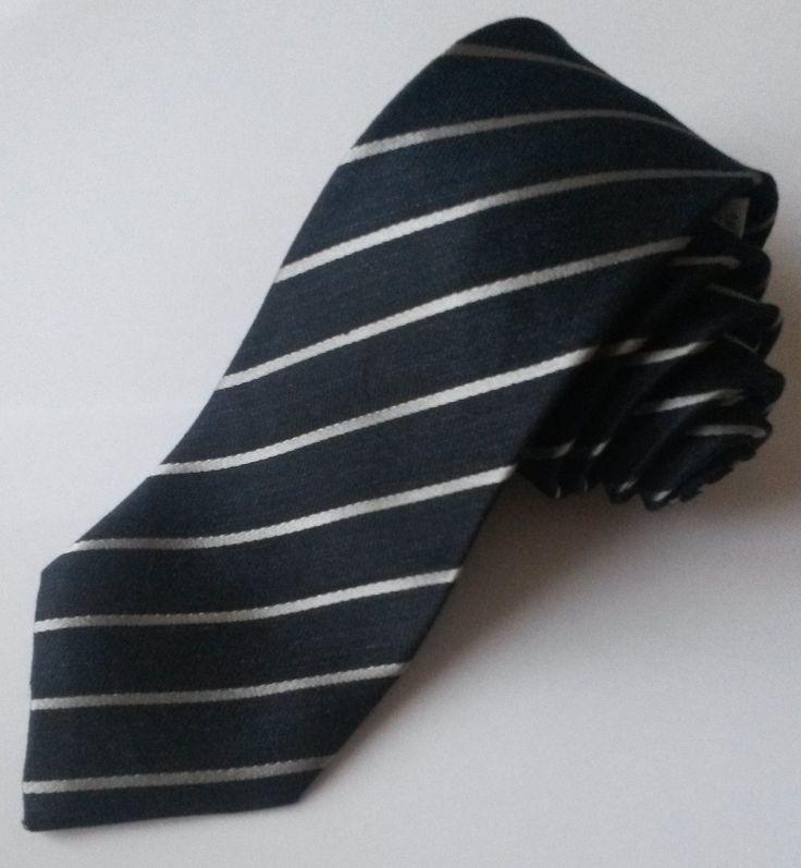 Cravatte in tessuto misto seta/lino colore blu con righe argento by Schiavi Cravatte Como