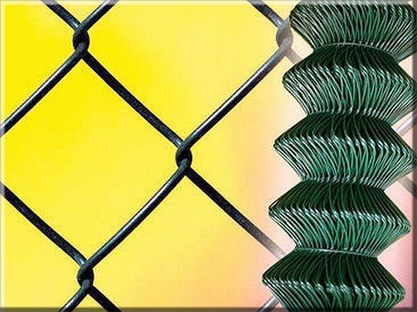 Siatka powlekana PCV - wysokość 1,00 m , Wykonana z drutu grubości 1,8 mm + PCV = 2,8 mm , Rozmiar oczko 60 x 60 mm , Dostępne kolory zielony