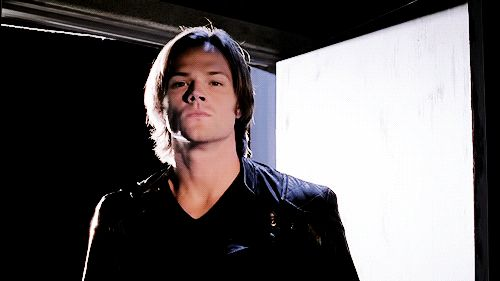 [GIF] Promo!Sam being freaking greek god-esque in his unnatural beauty and evil smirking.... GAH