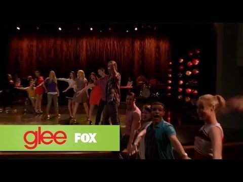 "▶ Full Performance of ""Don't Stop Believin'"" from ""New Directions"" 