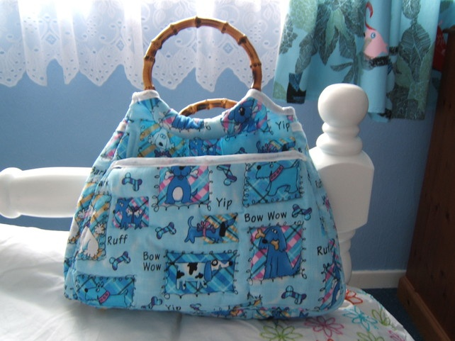 "pretty, blue ""doggy"" fabric knitting,sewing,craft bag, quilted,lots of pockets £20.00"