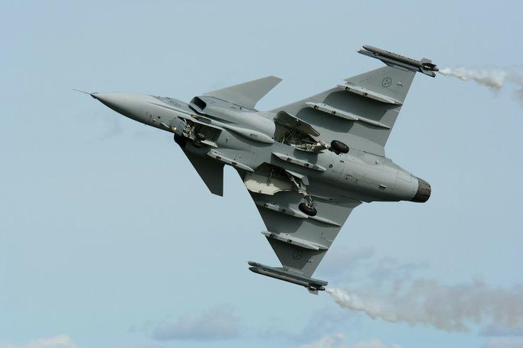 Gripen - From Aerofatos