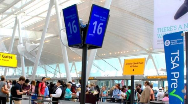 En el aeropuerto JFK usan la señal de los móviles para estimar el tiempo en las colas