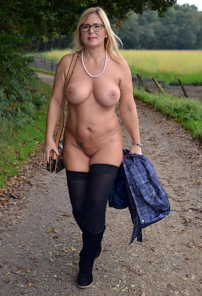 More Pussy Moms 39