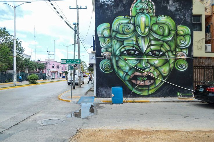 Street art in Playa del Carmen, Mexico | heneedsfood.com