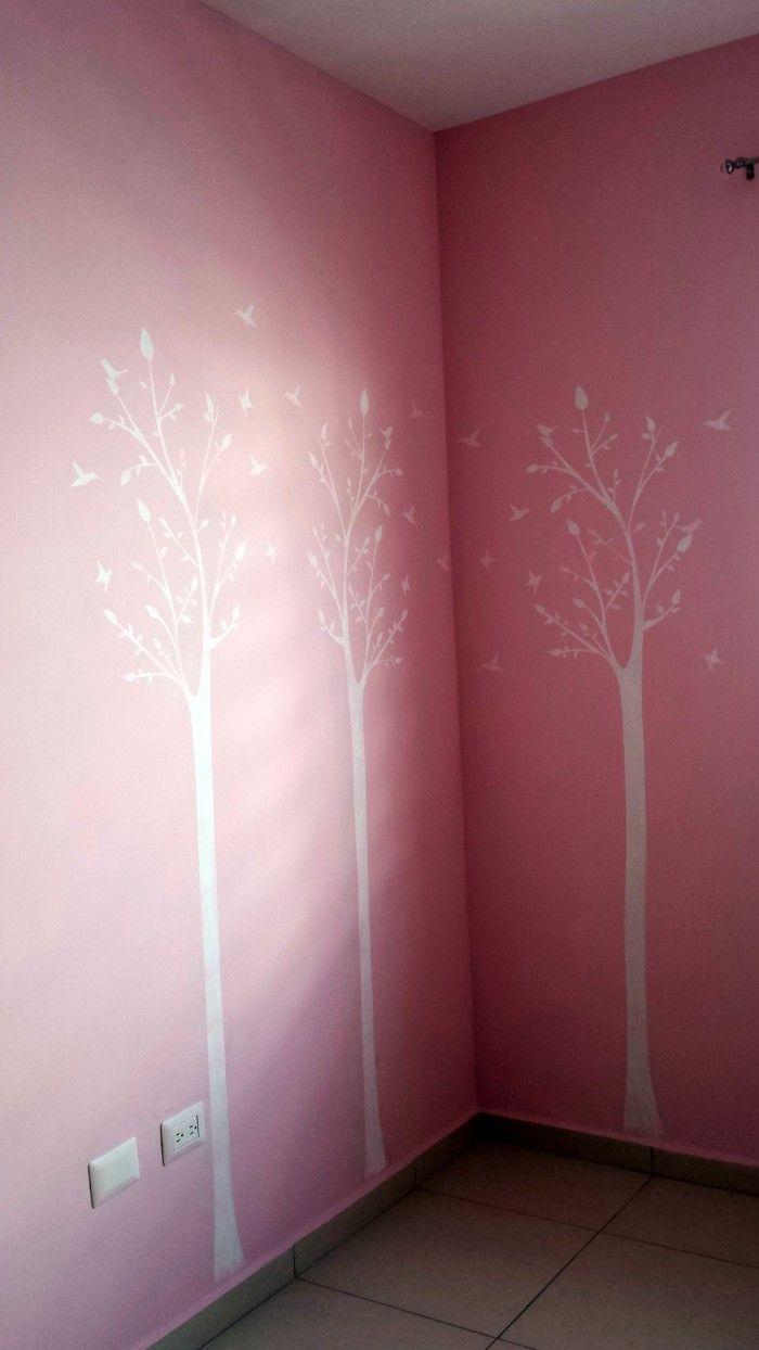 Decoración cuarto de bebes con plantillas decorativas. Pinta tus paredes y crea efectos como papel tapiz o vinilos decorativos pero a un menor costo.