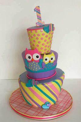 pastel de cumpleaos de colores con pareja de buhos