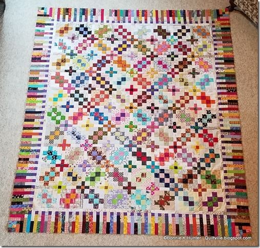 Quiltville's Quips garlic knot quilt with plus sashing and piano key border by Bonnie Hunter