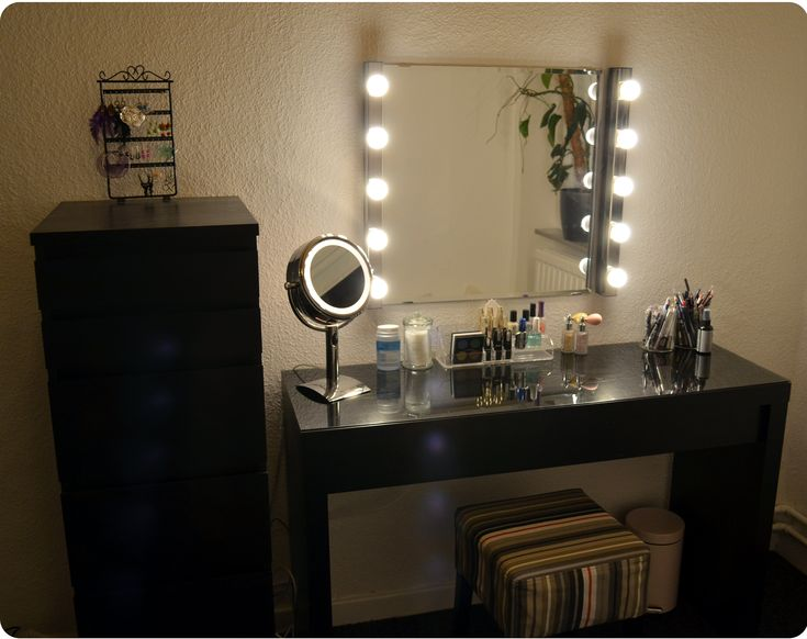 Vanity Mirror Dresser Lights : 25+ best ideas about Vanity lights ikea on Pinterest Makeup desk with mirror, Vanity mirror ...