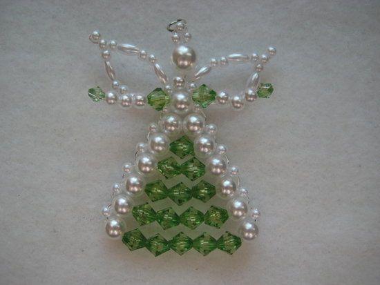 die besten 17 ideen zu weihnachten ornamente mit perlen auf pinterest perlen ornamente beaded. Black Bedroom Furniture Sets. Home Design Ideas