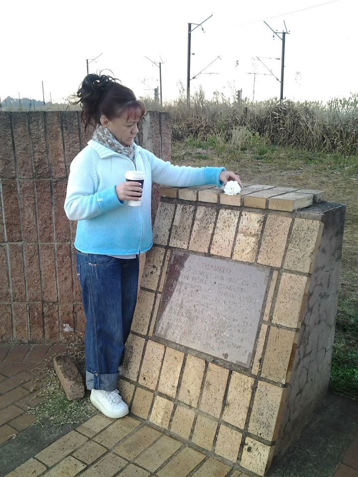 Today marks the 1st Anniversary of the passing of our Beloved Tata   (Nelson Rolihlahla Mandela) Hubby and I went to the Capture Site in Howick, Pietermaritzburg, it's about 8km from where we live to put a White Rose in Remembrance of Him. Rest in Peace Tata