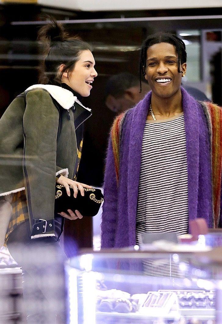 Kendall Jenner tuvo una cita doble con Kylie y Tyga. Fue la presentación oficial de su nuevo novio