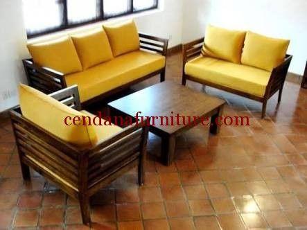 Set Kursi Tamu Sofa Kuning terbuat dari kayu jati solid yang memiliki tampilan cantik dengan desain minimalis terdapat busa tebal dengan balutan kain jok.
