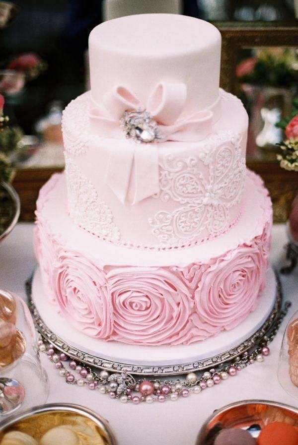 Pale Pink Wedding Cake / http://www.deerpearlflowers.com/40-romantic-pink-wedding-ideas-for-springsummer-wedding/