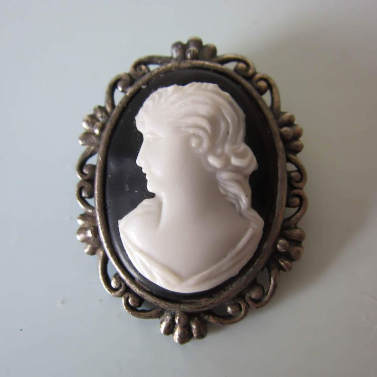 Vintage faux cameo brooch, vintage cameo pin, white cameo brooch, white figure on black background, gift for her, ladies brooch, birthday. by thevintagemagpie01 on Etsy
