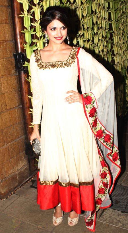 Prachi Desai party with Bachchans during #Diwali #Bollywood #Fashion