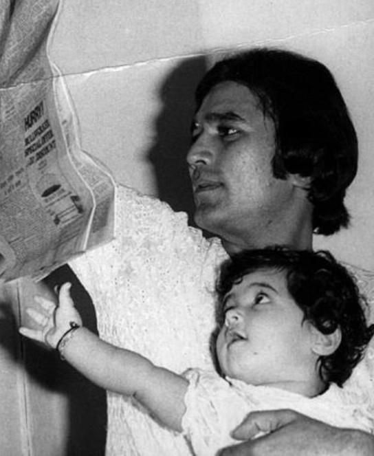 Twinkle posts a photograph of dad Rajesh Khanna