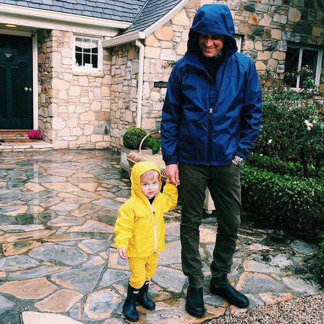 Pin for Later: Reese Witherspoon's Instagram Will Make You Fall in Love With Her All Over Again  Jim and Tennessee took a cute stroll in the rain.