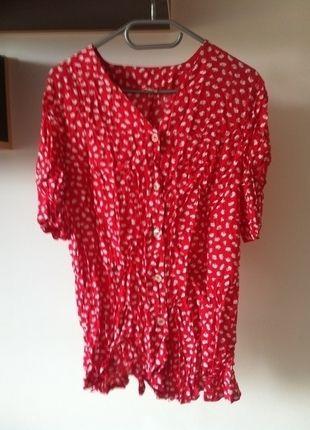 Kup mój przedmiot na #vintedpl http://www.vinted.pl/damska-odziez/tuniki/14558439-koszula-czerwona-wzorki-chmurki-biale-uzywana-wada-l-40-elastyczna-zapinana