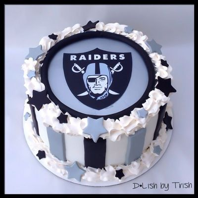 Oakland Raiders Cake | Boyfriend