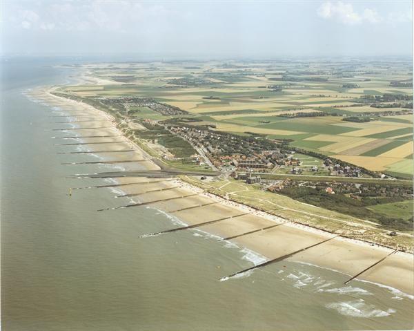 Luchtfoto Zeeuws Vlaanderen Cadzand Bad haventje landschap kust kustfoto