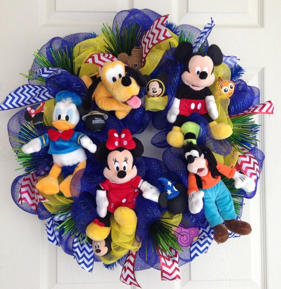 Disney Wreath of the Fab Five by SparkleForYourCastle on Etsy, $199.00