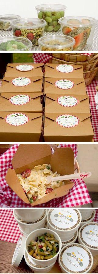 comida para picnic y envases para llevar
