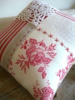 Sewing & Fabric Ideas dit is een kussen ja ja ik weet het maar het idee is leuk te verwerken in een tas.